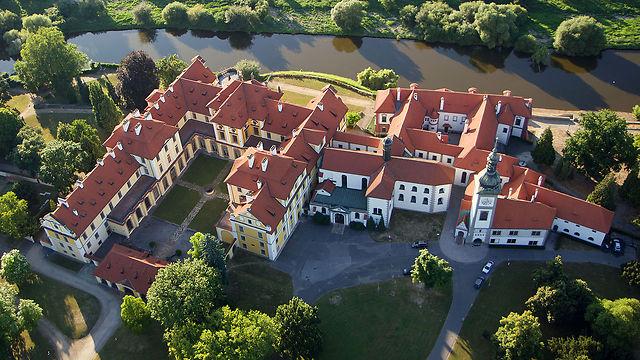 מנזר וטירה ב- Zbraslav בעיר פראג, צ'כיה (צילום: Zdeněk Fiedle)