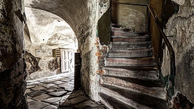 גרם מדרגות בבית אריגה מהמאה ה -17 (שנבנה בפעם השניה). נובה רודה (Nowa Ruda), פולין (צילום: Jarek Ciurus) (צילום: David Gubler )