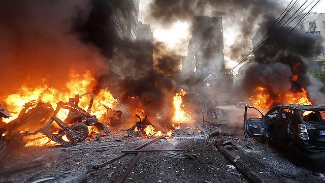 Car bombing in Dahiya (Photo: AFP)