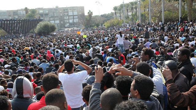 Refugees, asylum seekers protest in Tel Aviv, Sunday (Photo: Motti Kimchi)