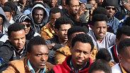 Asylum seekers in Levinsky Park in Tel Aviv Photo: Motti Kimchi