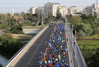 Tel Aviv Marathon. Comfortable weather expected (Photo: Ronen Topelberg)