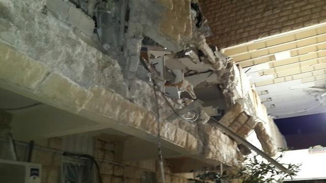 הקירות עפו (צילום: אודי גל, דוברות כבאות והצלה ירושלים)