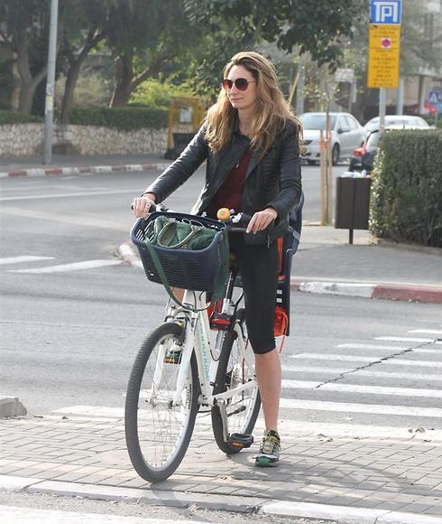 מיכל אנסקי: Ynet מתכון מנצח: מיכל אנסקי על אופניים