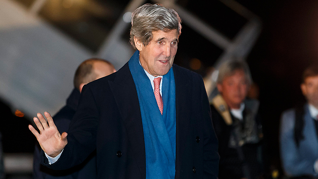 Kerry arrives in Geneva for talks (Photo: AP)