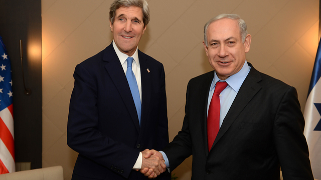 Secretary Kerry and Prime Minister Netanyahu meet in Davos (Photo: Kobi Gideon, GPO)