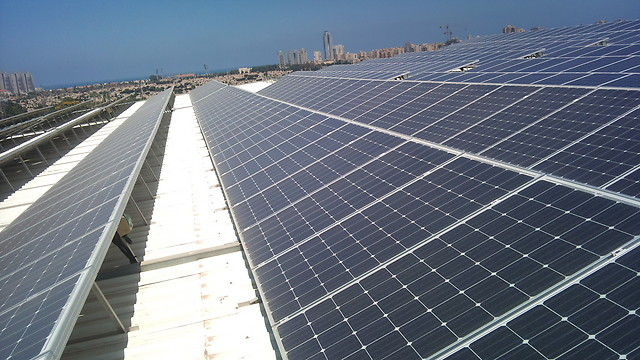 מייצרים חשמל סולארי בראשון לציון (צילום: טיב סולאר מערכות סולאריות) (צילום: ערן קופל)