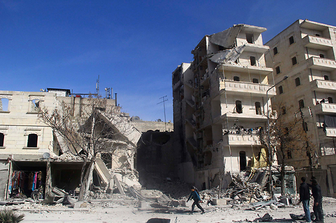 Site of barrel bombing (Photo: Reuters)