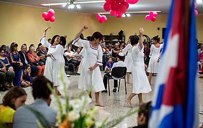ובטקס ההבדלה - משולבת מסיבה בבית הכנסת (צילום: תלי עידן)