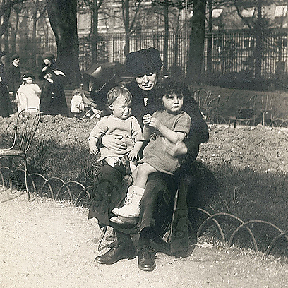 Lucie to Alfred: 'I wanted to tell you a thousand good things, to tell you about the children… but I was afraid to hurt you.' (Photo courtesy of Yael Perl Ruiz, from the Dreyfus family's private collection)