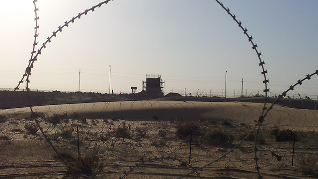 Egyptian pillbox structure constructed near border (Photo: Yoav Zitun)