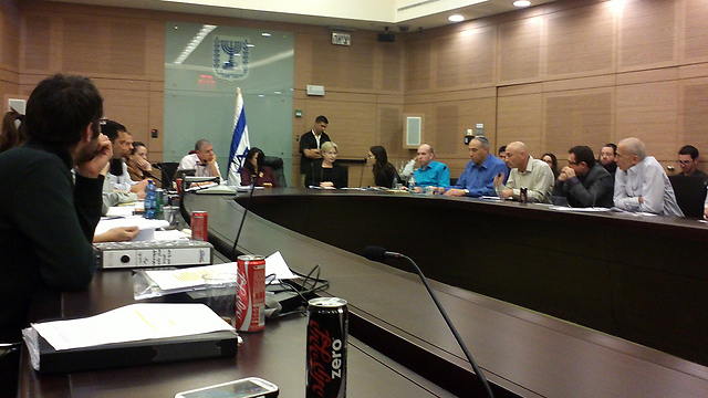 Shaked committee during discussion, Wednesday evening. (Photo: Eli Mandelbaum)