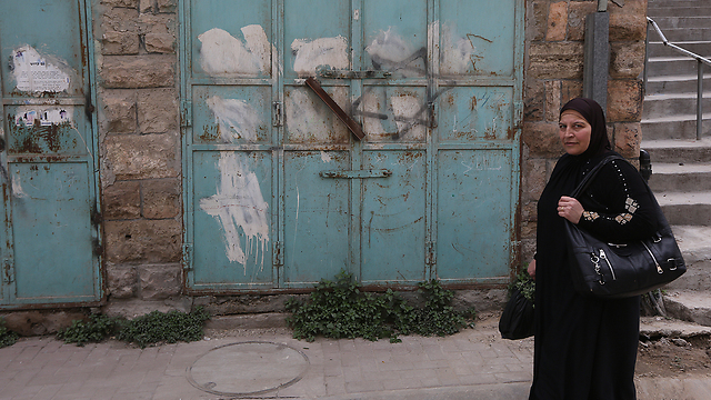Time stands stil in the streets of Hebron (Photo: Gil Yohanan)