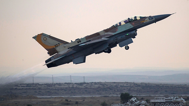 An Israeli Air Force F-16 (Archive photo: EPA)