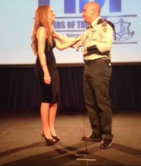 Ziv Shilon proposing to girlfriend Adi at the FIDF conference in Miami (Photo: Ron Rofe)