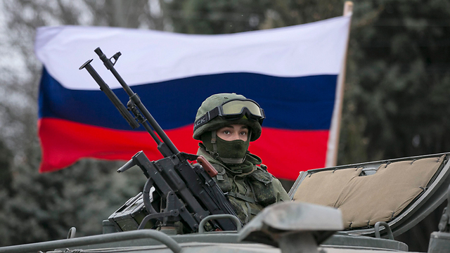 A Russian soldier in the Crimea Peninsula (Photo: Reuters)