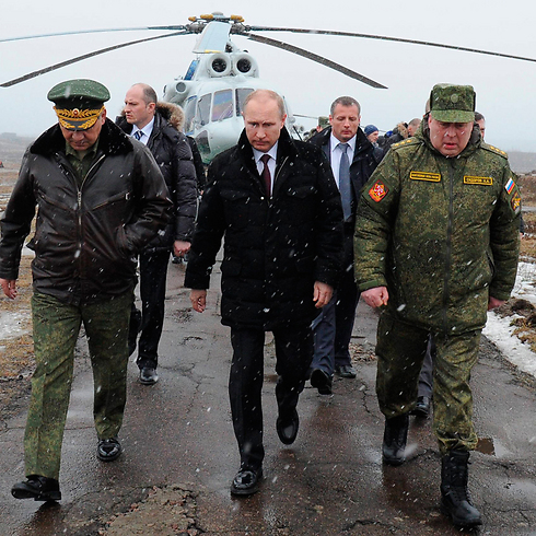 Putin commanding over military drills (Photo: AP) Photo: AP