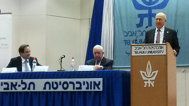 Shaath and Meridor talks two-state solution (Photo: Margarita Erbach)