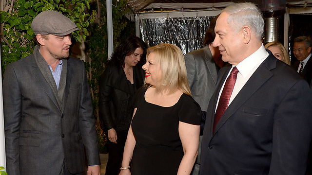 Benjamin and Sara Netanyahu meet Leonardo DiCaprio in Los Angeles (Photo: Avi Ochion, GPO)