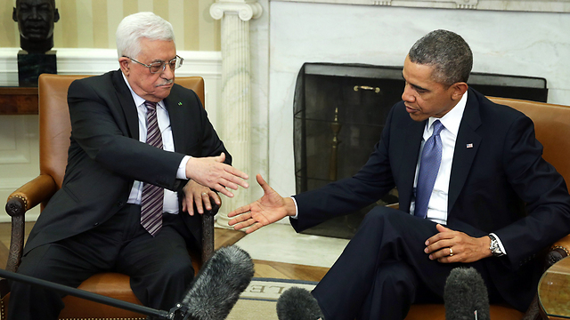 Obama and Abbas at the White House (Photo: EPA)