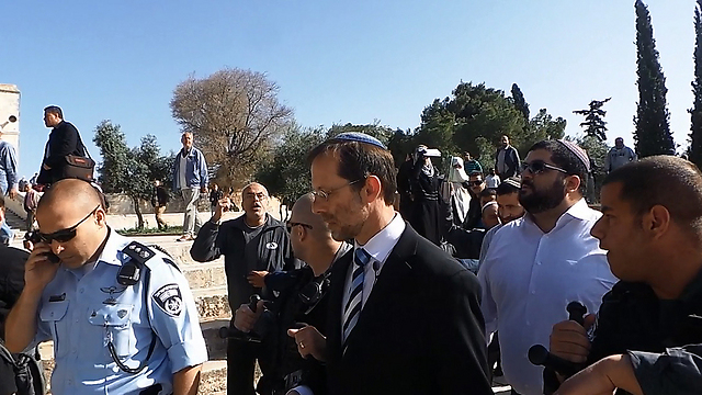 MK Moshe Feiglin at the Temple Mount (Photo: Michael Fua)