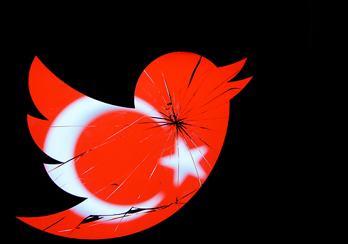 Twitter ban in Turkey (Photo: Reuters) (Photo: Reuters)