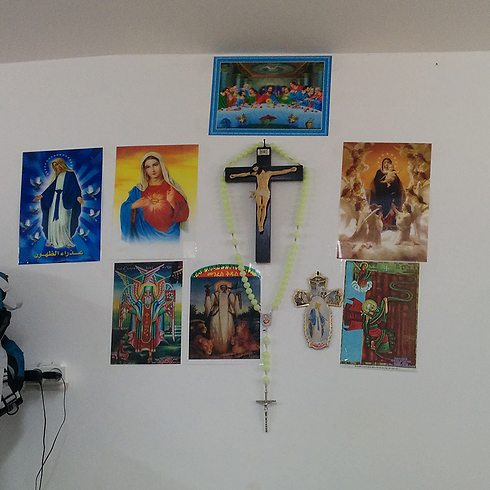 The crosses and pictures in question (Photo: Hotline for Refugees and Migrants)
