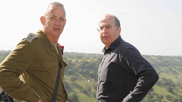 Ya'alon and Gantz face an extreme budget crisis (Photo: Avihu Shapira)
