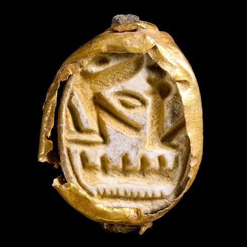 טבעת הזהב (צילום:  קלרה עמית, באדיבות רשות העתיקות )