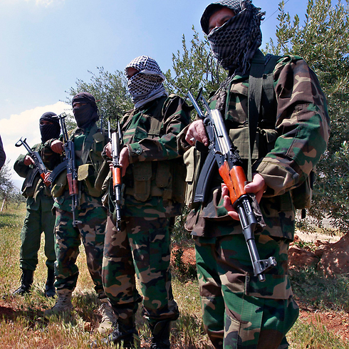 Hezbollah forces on Syria's border with Lebanon (Photo: AP) (Photo: AP)