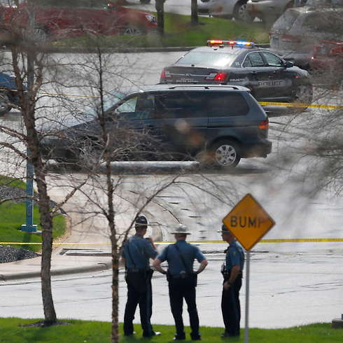 Kansas Jewish center shootings (Photo: AP)