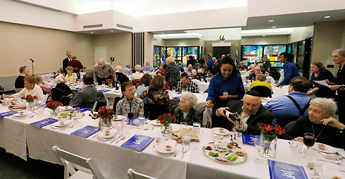 Seder at Village Shalom retirement community (photo: AP)