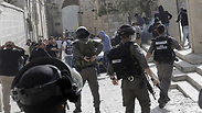 Clashes on Temple Mount Photo: AFP