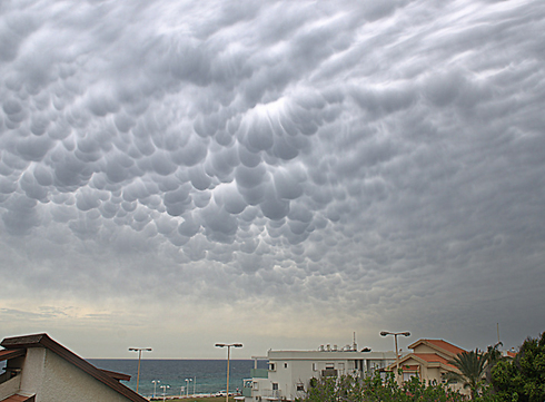 `Breast clouds` over Nahariya (Photo: Rativo family)