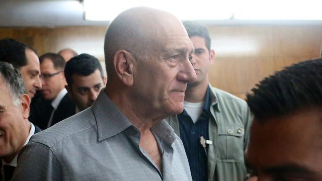 Olmert in court (Photo: Motti Kimchi)
