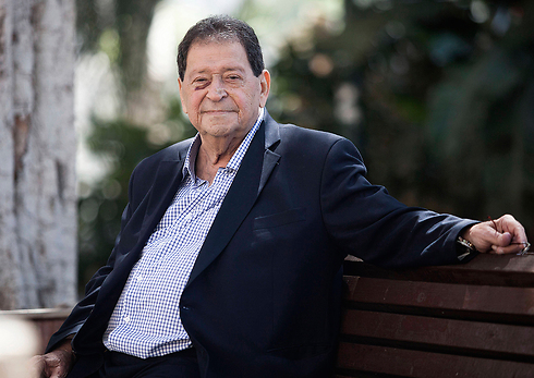 Benjamin Ben-Eliezer (Photo: AP)