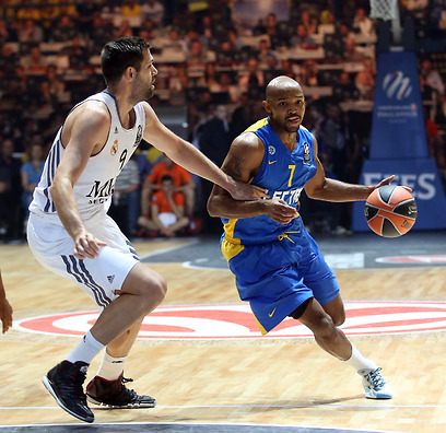 Ricky Hickman vs. Felipe Reyes (Photo: Oz Mualem)