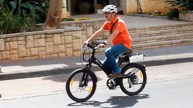 אופניים חשמליים. המצולם אינו קשור לכתבה (צילום: פז בר)