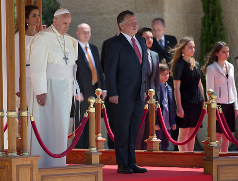 Pope Francis with Jordan's King Abdullah II (Photo: AP)