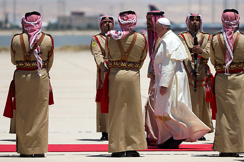 Pope Francis arriving in Jordan (Photo: Reuters)