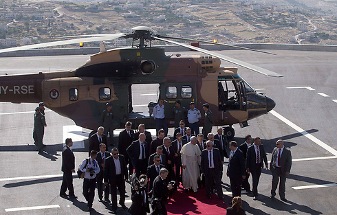 Pope France landing in Bethlehem (Photo: AFP)