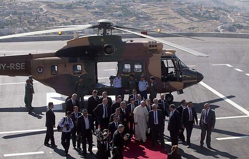 Pope France landing in Bethlehem (Photo: AFP)