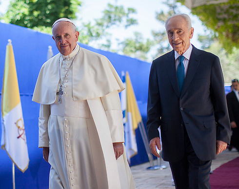 Peres with Pope Francis (Photo: Yontan Zindel) (Photo: Yonaton Zindel)