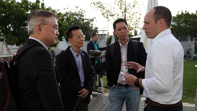 Hong Kong delegation in Jerusalem on May 19, meeting with Israeli startup innovators (Photo: Inbal Rose)