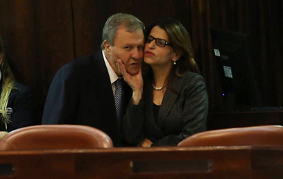 Presidential candidates Dalia Itzik and Meir Sheetrit at the Knesset (Photo: Gil Yohanan)