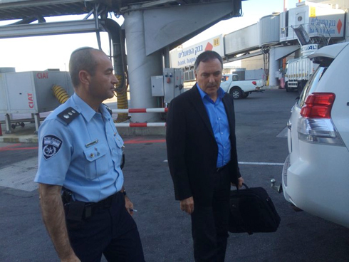 Danino at Ben Gurion Airport upon his return to Israel (Photo: Meir Turjeman)