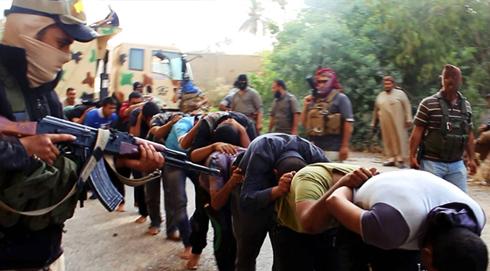 """לוחמי """"דאעש"""" בעיראק (צילום: AP)"""
