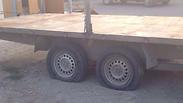 Slashed tires in Yitzhar