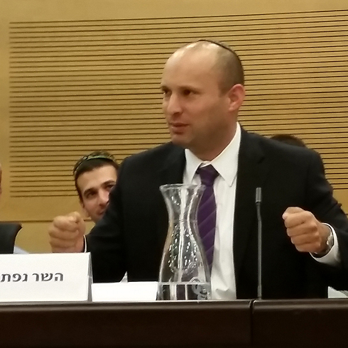 Bennett: IDF must act responsibly if they want money. (Photo: Eli Mendelbaum) Photo: Eli Mendelbaum