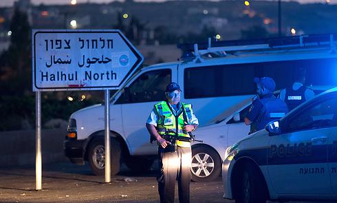 פעילות כוחות הביטחון באזור חברון (צילום: AFP)